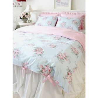 Cute Shabby Chic Bedroom Design Ideas For Your Daughter 33