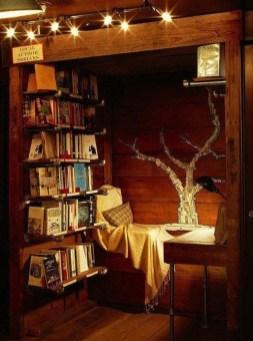 Inspiring Reading Room Decoration Ideas To Make You Cozy 40