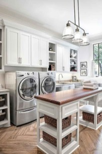 Minimalist And Small Laundry Room Ideas For Small Space 29