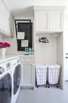 Minimalist And Small Laundry Room Ideas For Small Space 46