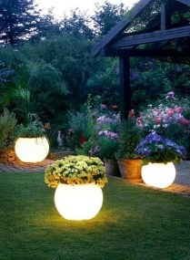 Outstanding Lighting Ideas To Light Up Your Garden With Style 05