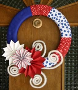 Pratiotic Handmade 4th Of July Wreath Ideas 12