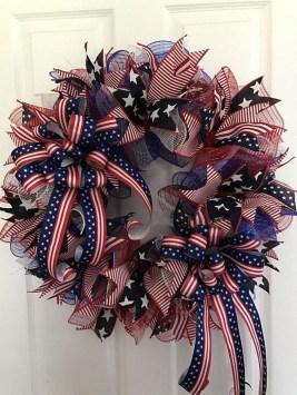 Pratiotic Handmade 4th Of July Wreath Ideas 15