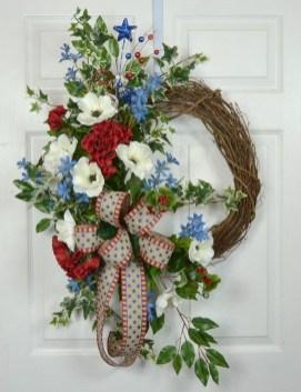 Pratiotic Handmade 4th Of July Wreath Ideas 33