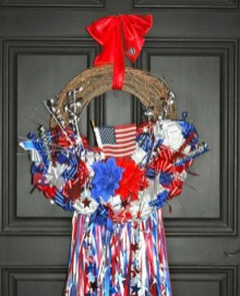 Pratiotic Handmade 4th Of July Wreath Ideas 37