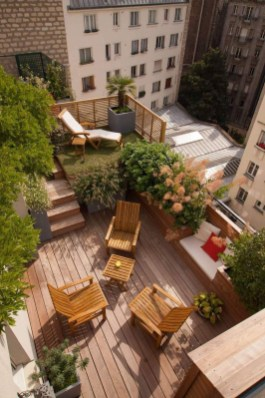 Stunning Balcony Decoration Ideas With Seating Areas 28