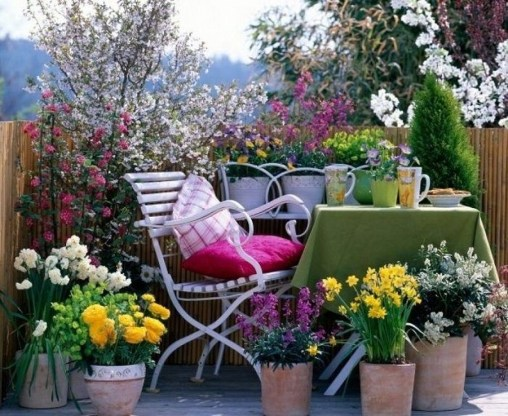 Stunning Balcony Decoration Ideas With Seating Areas 32