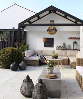 Stunning Balcony Decoration Ideas With Seating Areas 50