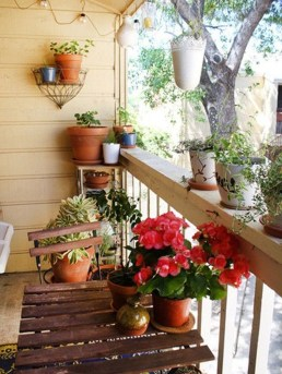 Stunning Balcony Decoration Ideas With Seating Areas 51