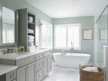 Stylish Coastal Bathroom Remodel Design Ideas 20