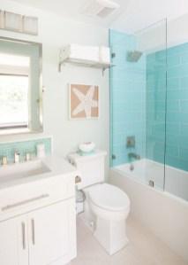 Stylish Coastal Bathroom Remodel Design Ideas 28