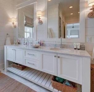 Stylish Coastal Bathroom Remodel Design Ideas 31