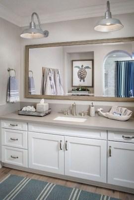 Stylish Coastal Bathroom Remodel Design Ideas 43