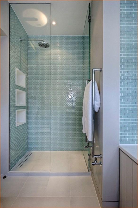 Stylish Coastal Bathroom Remodel Design Ideas 46