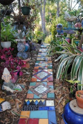 Awesome Small Garden Ideas With Stone Path 09