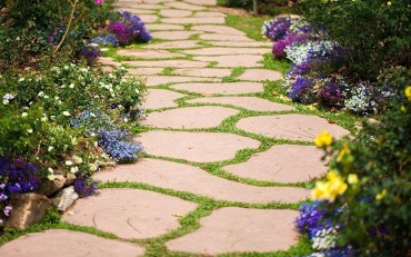Awesome Small Garden Ideas With Stone Path 18