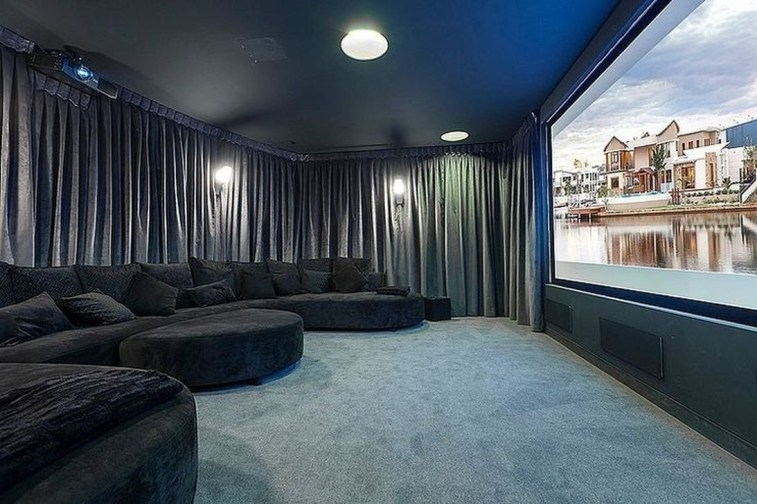 Best Small Movie Room Design For Your Happiness Family 46
