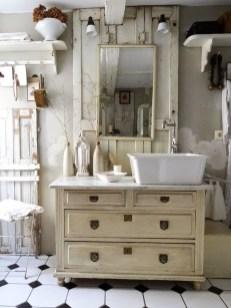 Impressive Vintage Bathroom Decoration You'll Love 06