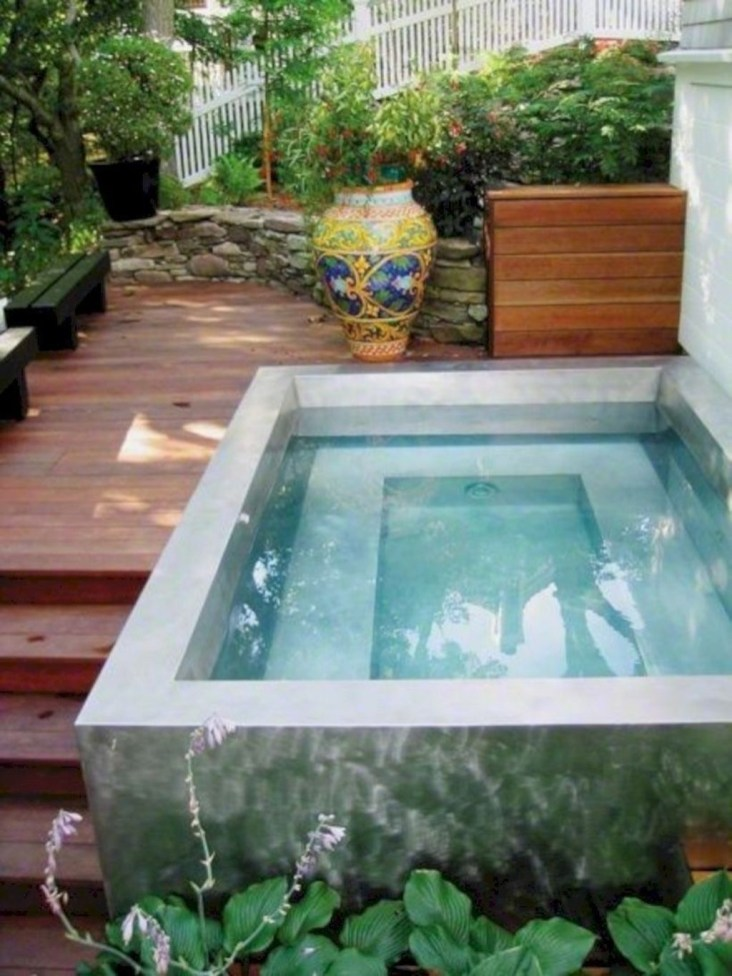 Innovative Small Swimming Pool For Your Small Backyard 04