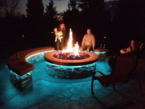 Marvelous Outdoor Fire Pit Ideas To Enjoying This Summer 06