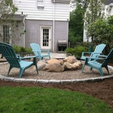 Marvelous Outdoor Fire Pit Ideas To Enjoying This Summer 07
