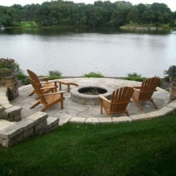 Marvelous Outdoor Fire Pit Ideas To Enjoying This Summer 17