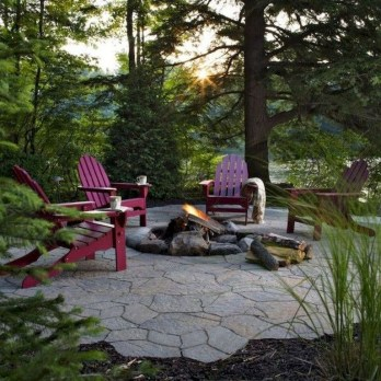 Marvelous Outdoor Fire Pit Ideas To Enjoying This Summer 45