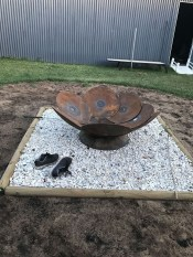 Marvelous Outdoor Fire Pit Ideas To Enjoying This Summer 48