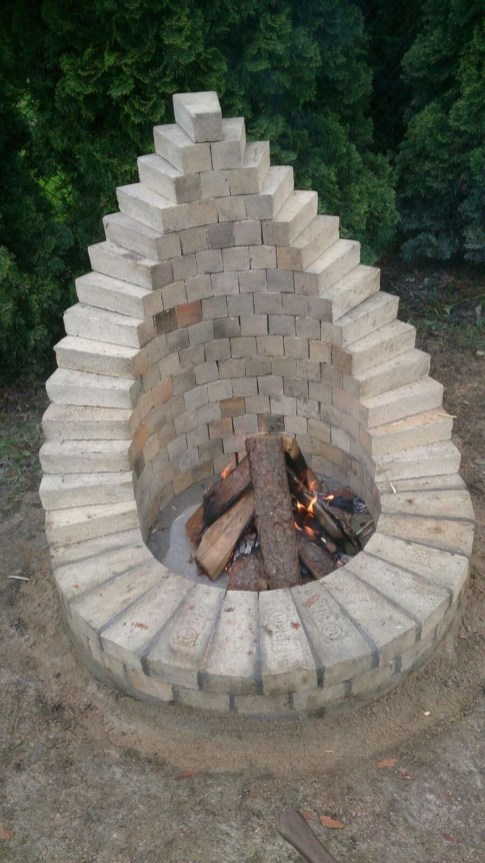 Marvelous Outdoor Fire Pit Ideas To Enjoying This Summer 53