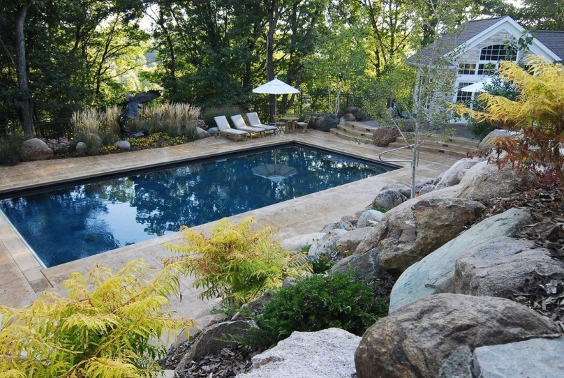 The Best Swimming Pool Design Ideas For Summer Time 18