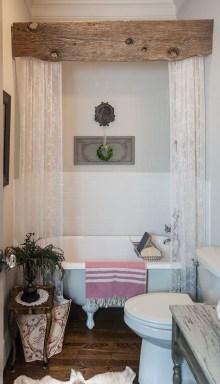 Amazing Bathroom Decor Ideas With Farmhouse Style 06