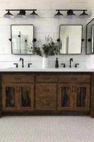 Amazing Bathroom Decor Ideas With Farmhouse Style 28