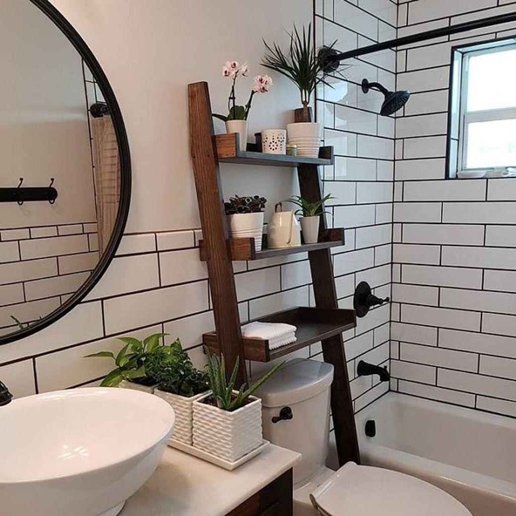 Amazing Bathroom Decor Ideas With Farmhouse Style 41