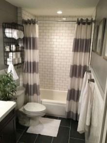 Amazing Bathroom Decor Ideas With Farmhouse Style 49