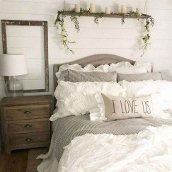 Gorgeous Farmhouse Bedroom Remodel Ideas On A Budget 02