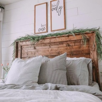 Gorgeous Farmhouse Bedroom Remodel Ideas On A Budget 07