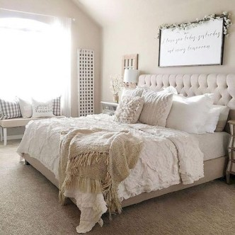Gorgeous Farmhouse Bedroom Remodel Ideas On A Budget 24