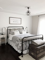 Gorgeous Farmhouse Bedroom Remodel Ideas On A Budget 38