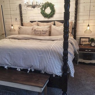 Gorgeous Farmhouse Bedroom Remodel Ideas On A Budget 44