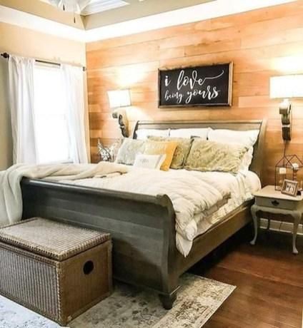 Modern Rustic Master Bedroom Design Ideas 16