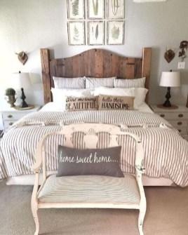 Modern Rustic Master Bedroom Design Ideas 27