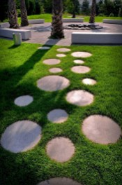 Newest Stepping Stone Pathway Ideas For Your Garden 03