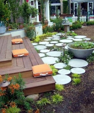 Newest Stepping Stone Pathway Ideas For Your Garden 08