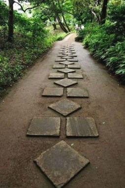 Newest Stepping Stone Pathway Ideas For Your Garden 17
