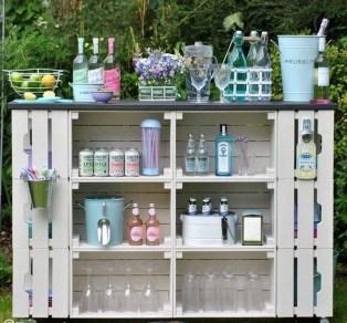 Unusual DIY Outdoor Bar Ideas On A Budget 17
