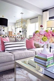 Adorable Colorful Pillow Ideas For Cozy Living Room 01