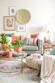 Adorable Colorful Pillow Ideas For Cozy Living Room 09