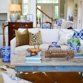Adorable Colorful Pillow Ideas For Cozy Living Room 11