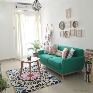 Adorable Colorful Pillow Ideas For Cozy Living Room 27