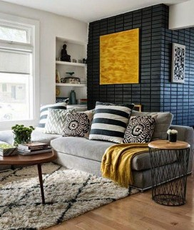 Adorable Colorful Pillow Ideas For Cozy Living Room 34